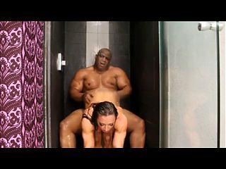 muscle woman and big black man sex in the shower