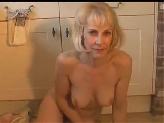 Milf has a few twitchy orgasms