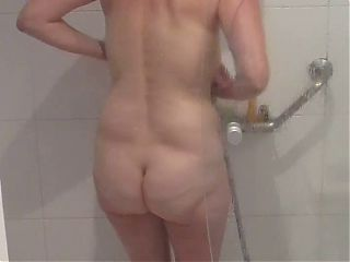 Big mature butt off married wife in the shower