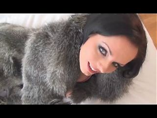 Sexy Diva in Fur Sucks & Fucks