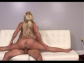 COCK CRAZED MILF IS FLEXIBLE!!!!