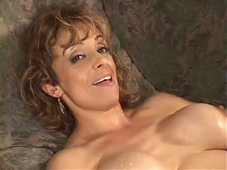 Hot Legend Cougar Returns To Get Fucked